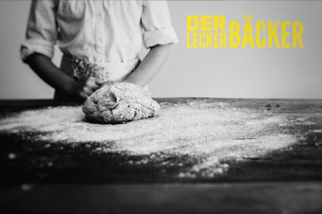 Die Spieler improvisieren mit dem Führungsteam der Bäckerei Kruse
