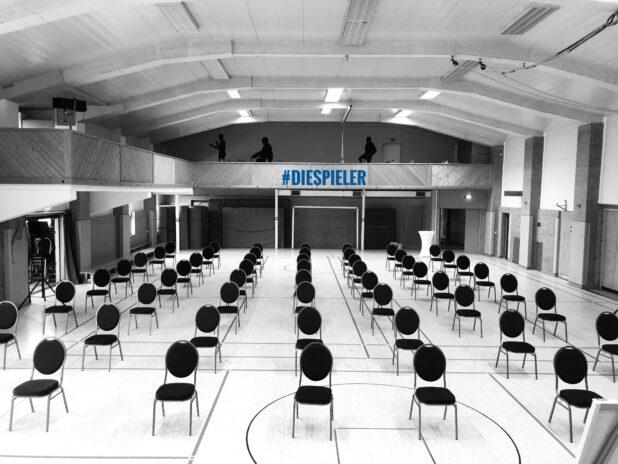 Diese Halle war der Raum für die Fortbildung der besonderen Art beim SC Schoningen 04 Impro-Training, Impro-Show und Impro Song